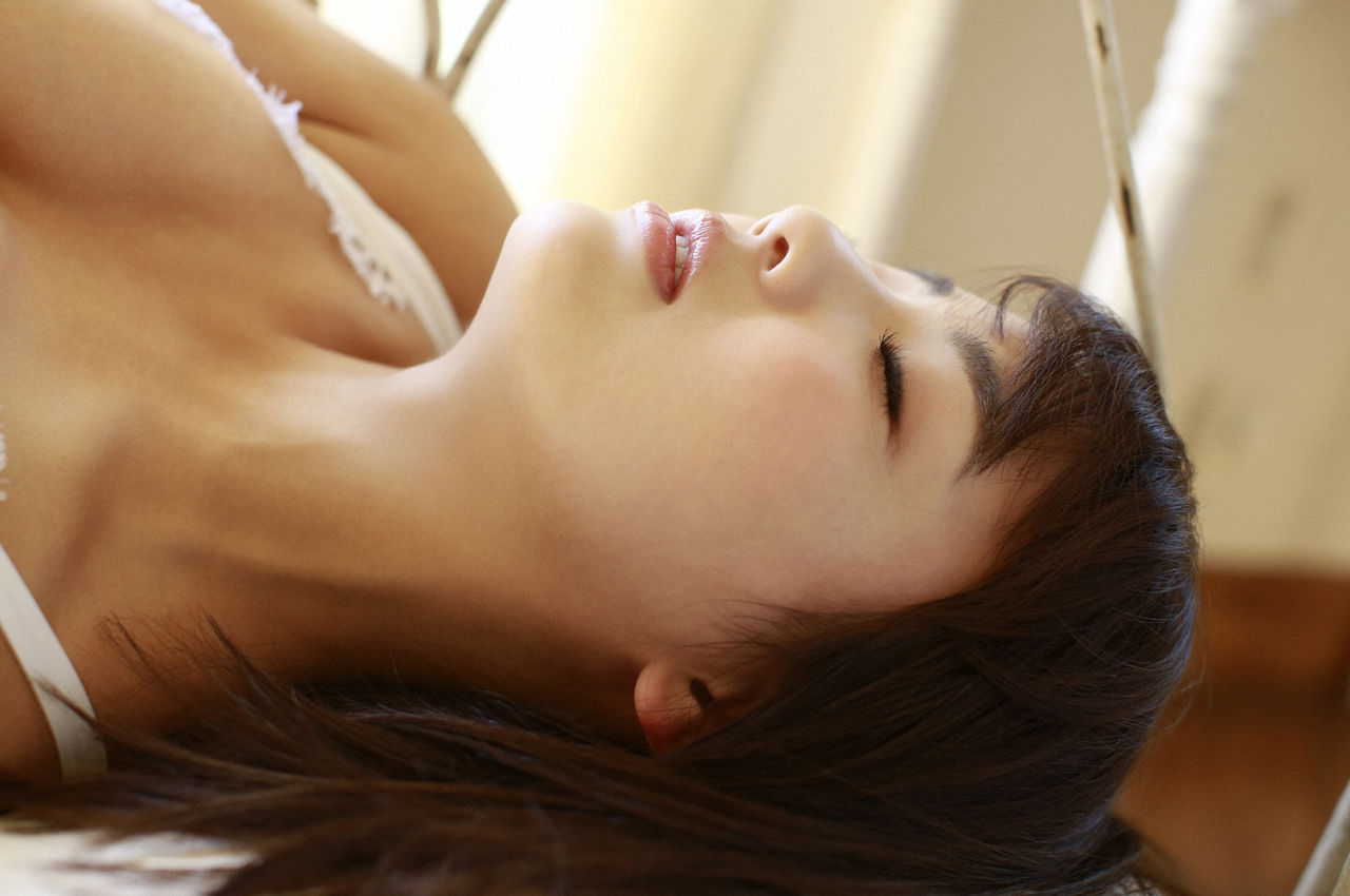 F-cup Natsumi Hirashima with her voluptuous style014