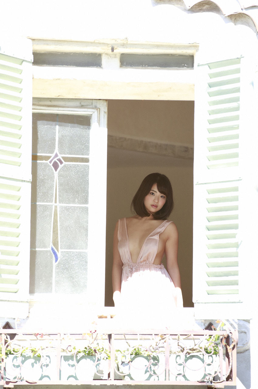 F-cup Natsumi Hirashima with her voluptuous style027