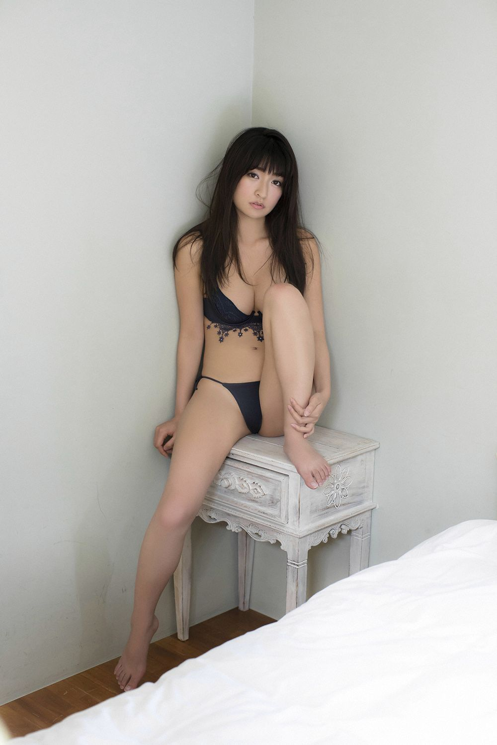 This is a girl with big tits who wants to be a popular girl052