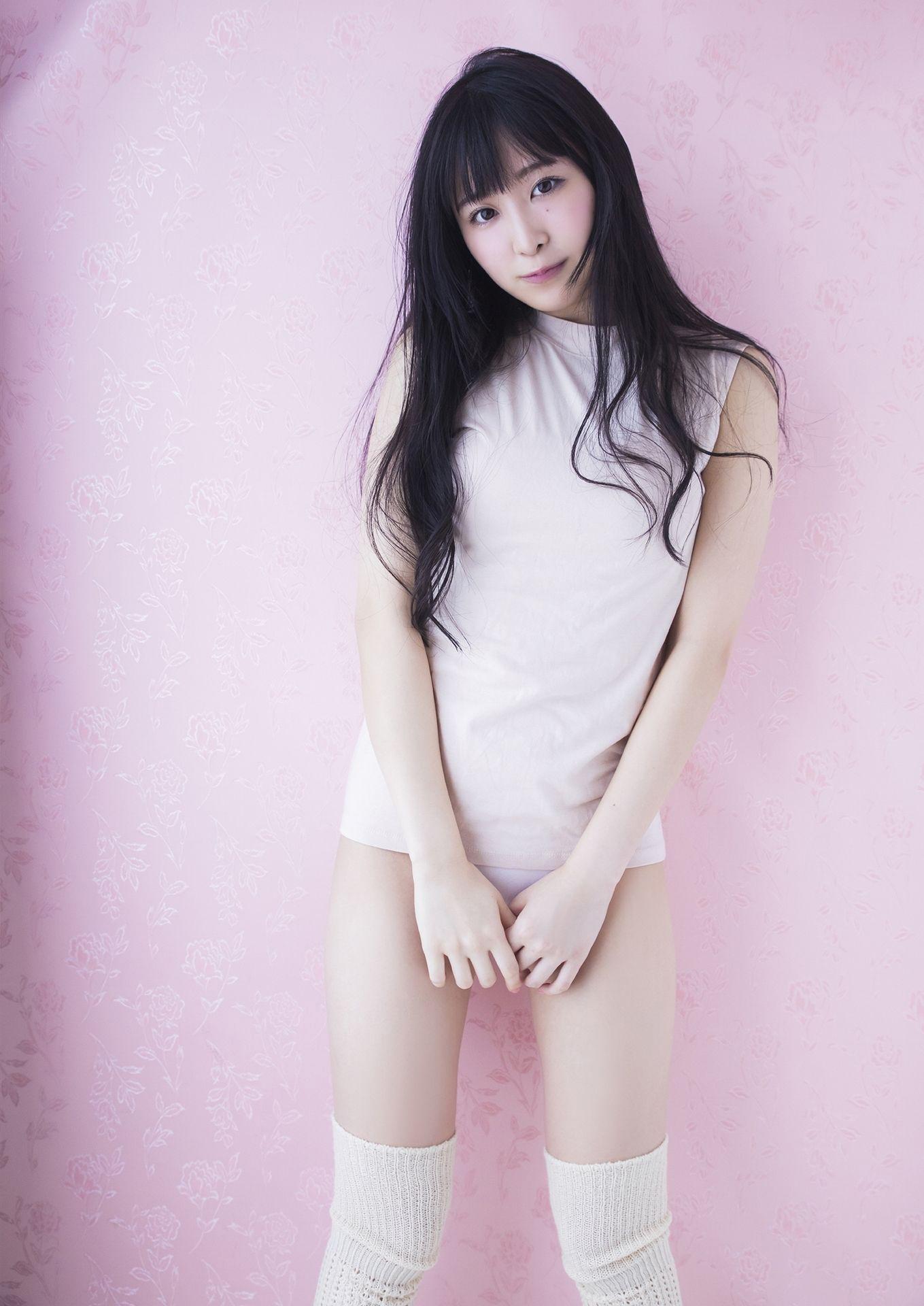 The Secret Garden of a Mysterious Girl Naomi Mashima018