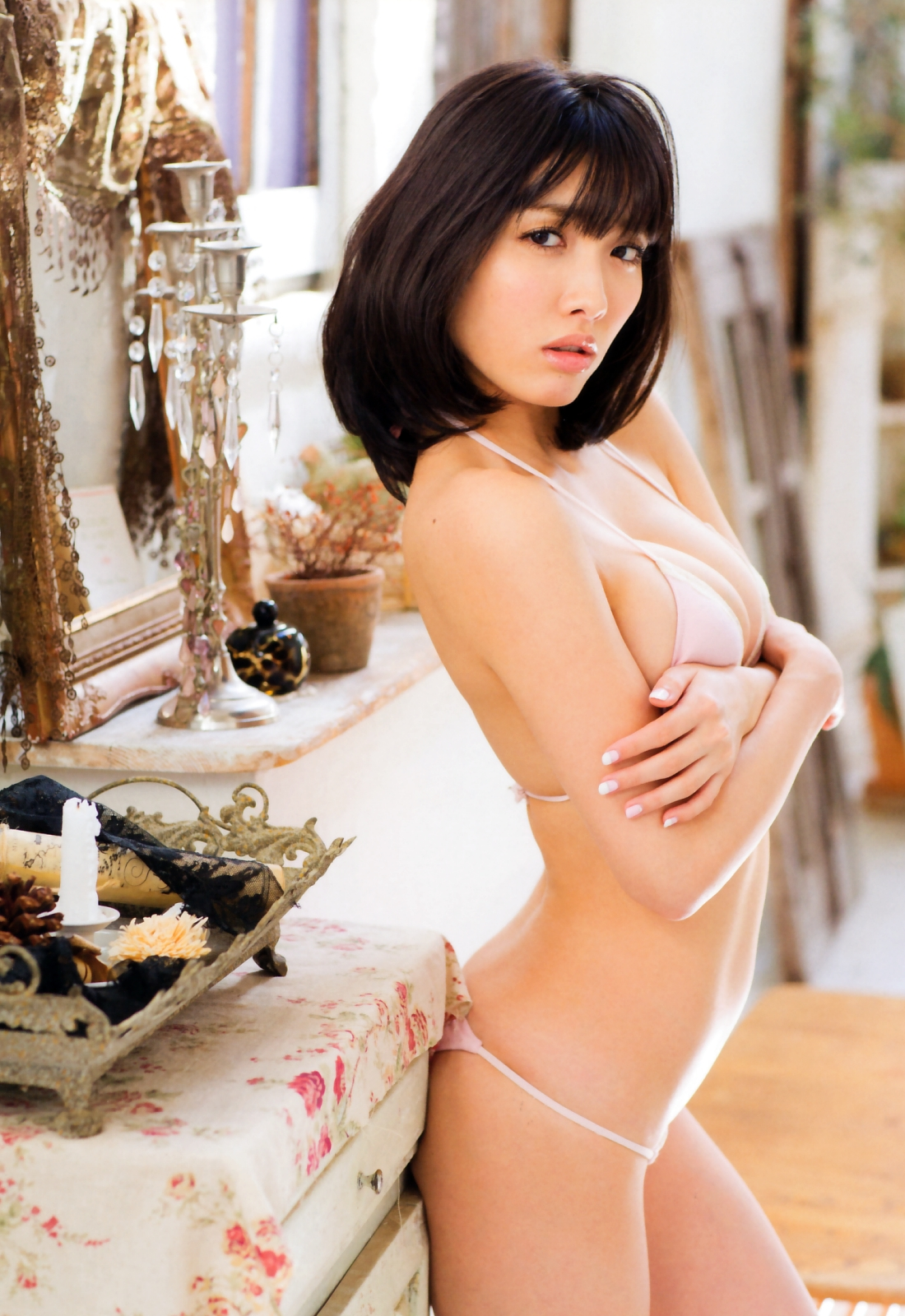 Its soft and makes you want to touch it Anna Konno 025