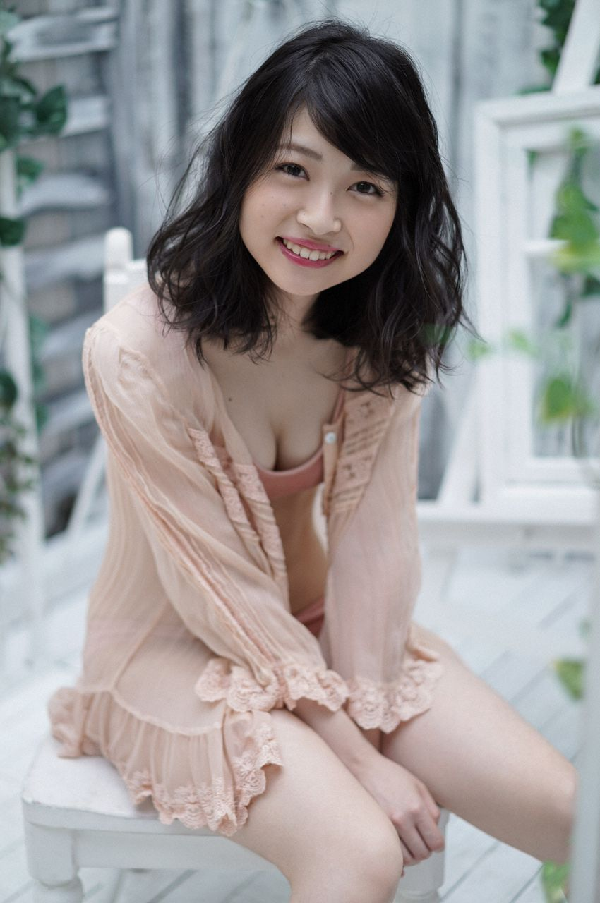 First Gravure for a Voice Actress030