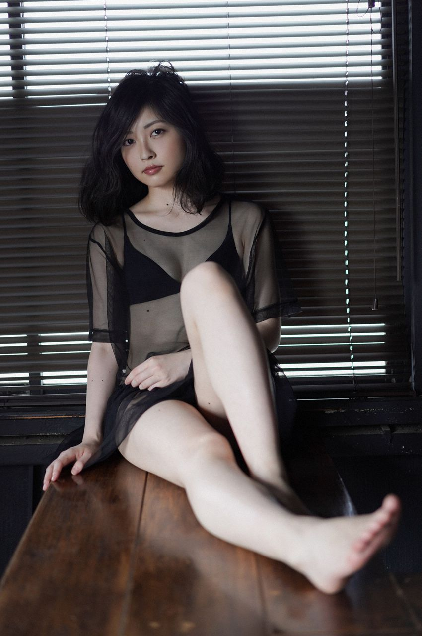 First Gravure for a Voice Actress039