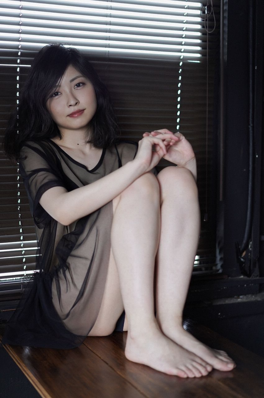 First Gravure for a Voice Actress040