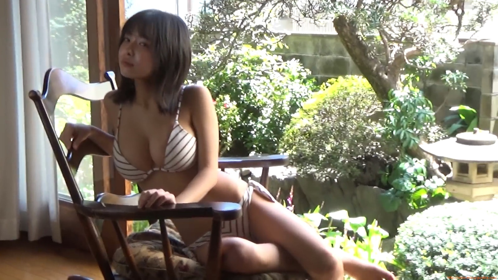 The gravure that makes all Japan cheer up Rio Teramoto 010