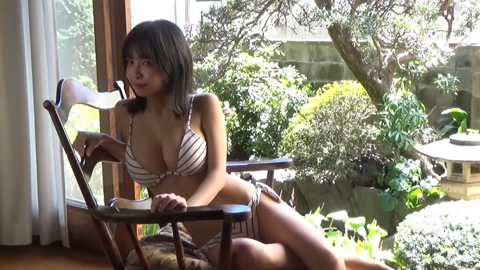 The gravure that makes all Japan cheer up Rio Teramoto 011