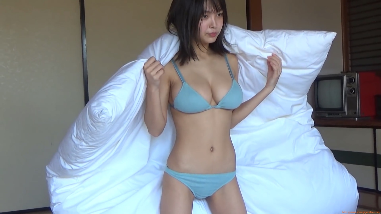 The gravure that makes all Japan cheer up Rio Teramoto 032