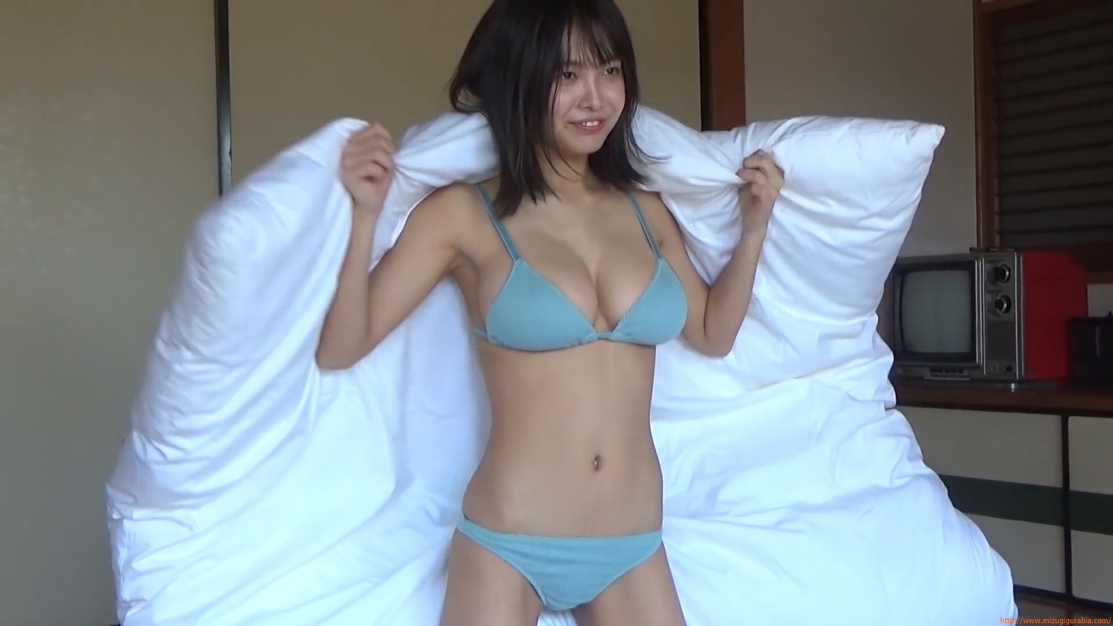 The gravure that makes all Japan cheer up Rio Teramoto 034