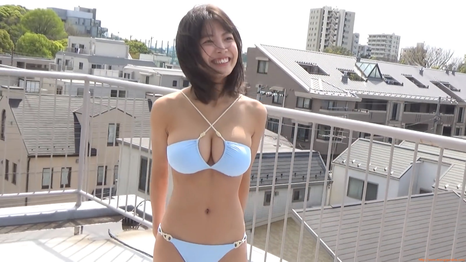 The gravure that makes all Japan cheer up Rio Teramoto 101