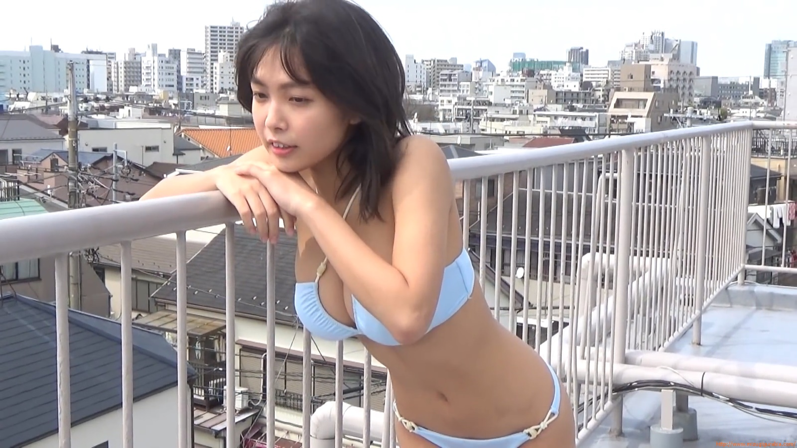 The gravure that makes all Japan cheer up Rio Teramoto 106