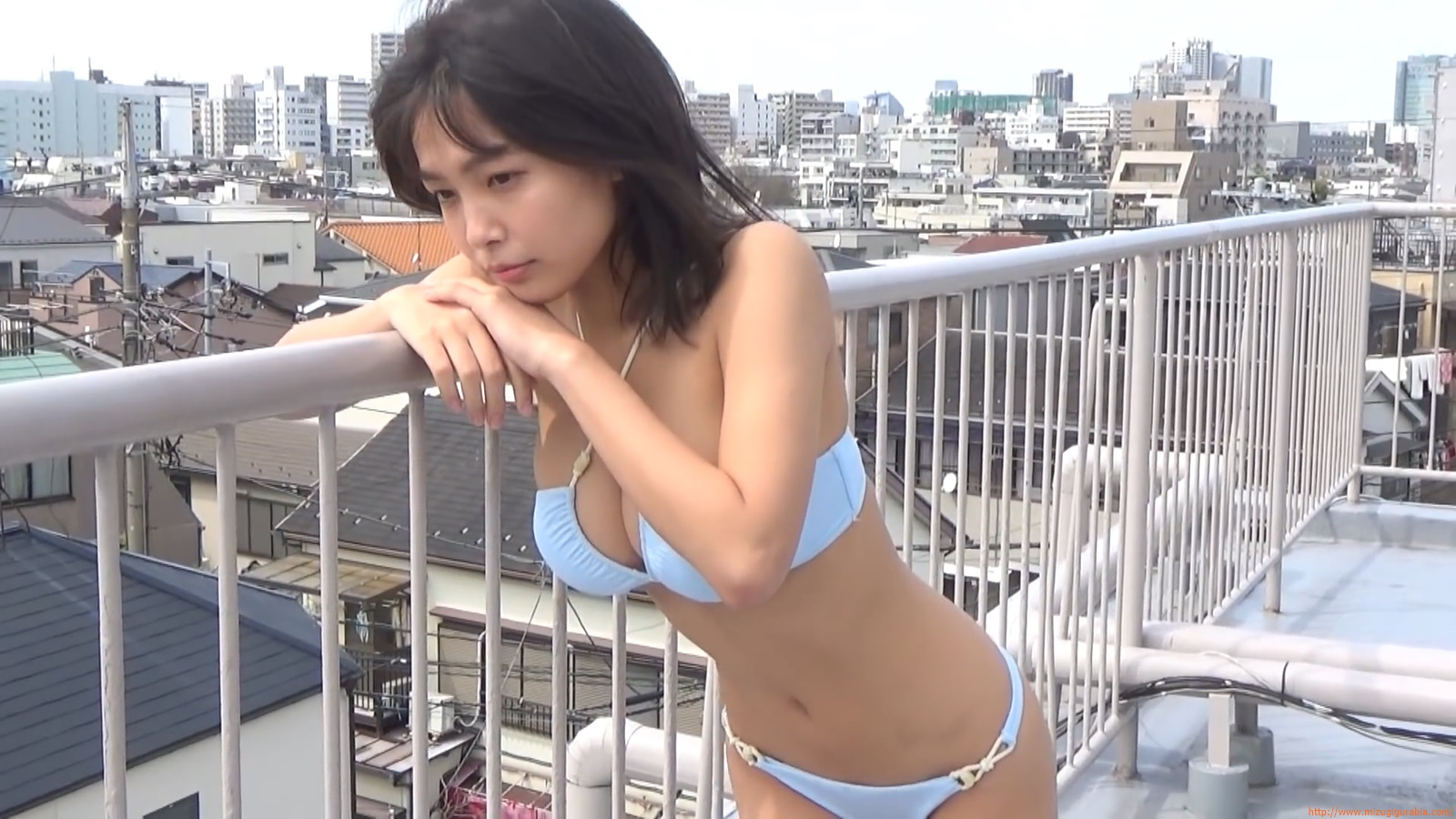 The gravure that makes all Japan cheer up Rio Teramoto 107