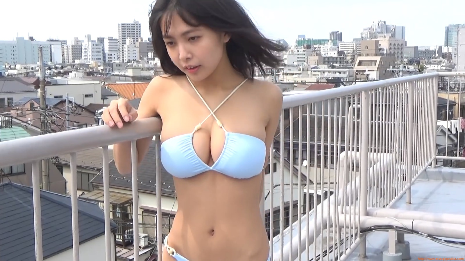 The gravure that makes all Japan cheer up Rio Teramoto 109