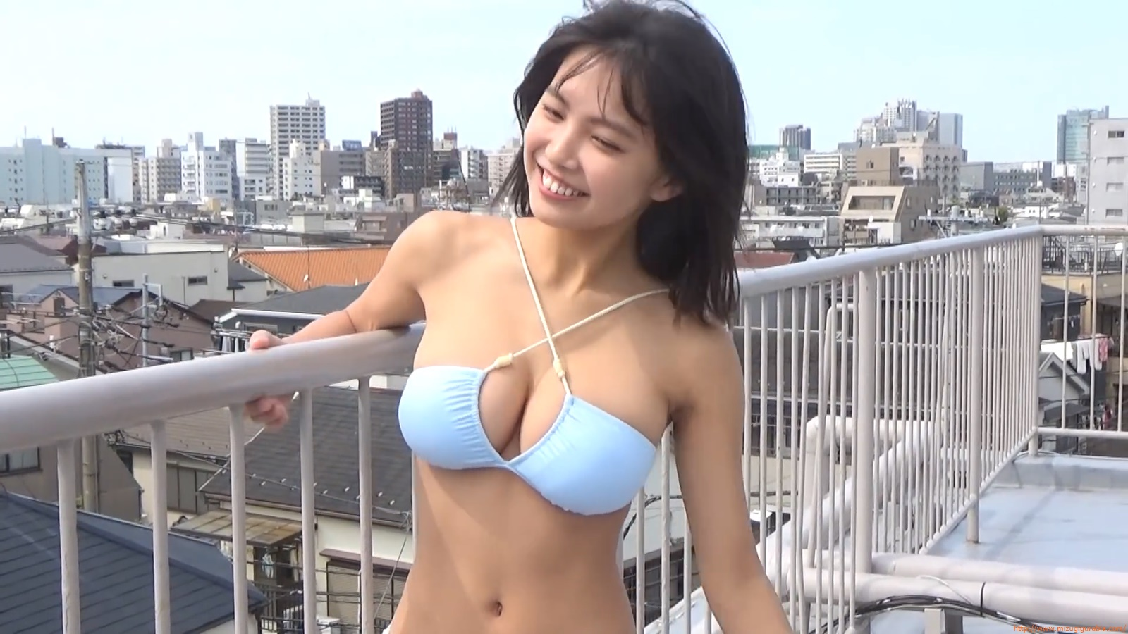 The gravure that makes all Japan cheer up Rio Teramoto 112