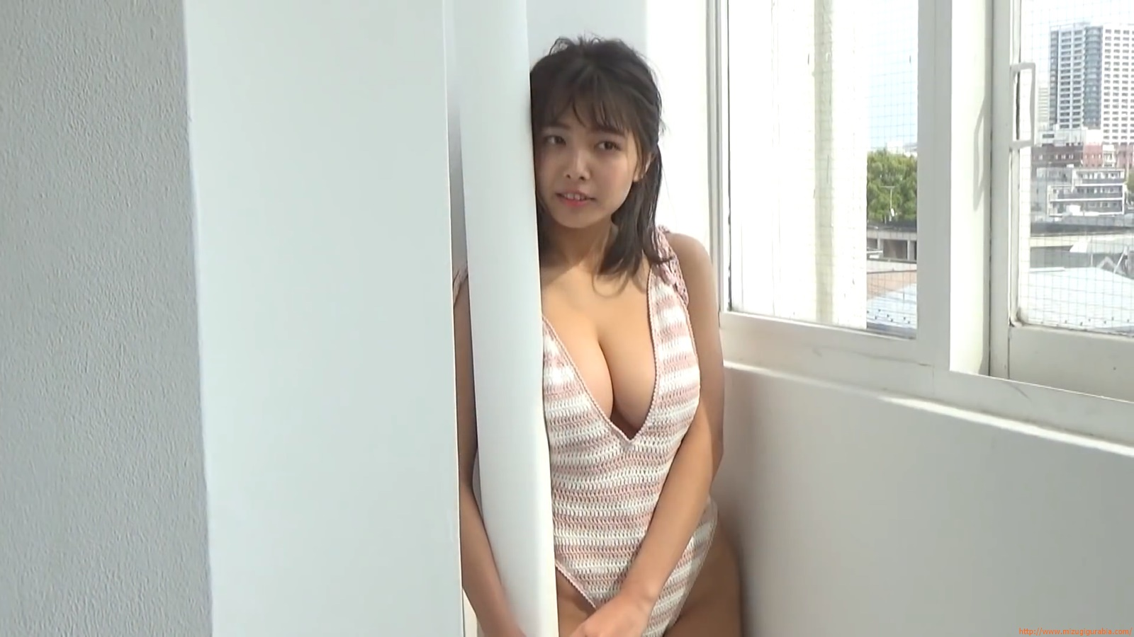 The gravure that makes all Japan cheer up Rio Teramoto 140