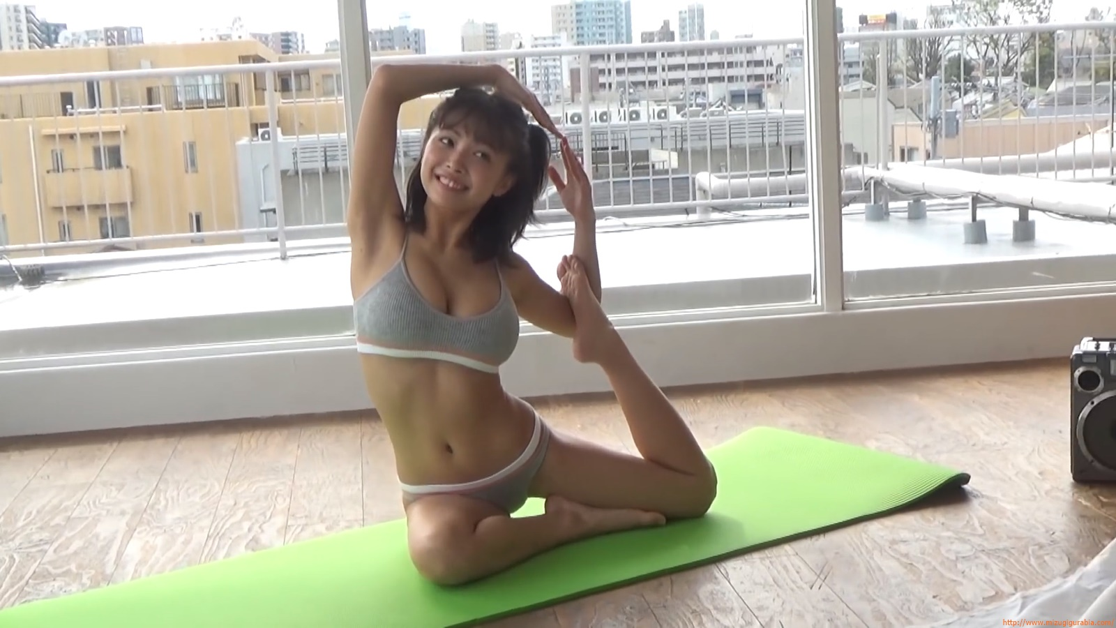 The gravure that makes all Japan cheer up Rio Teramoto 154