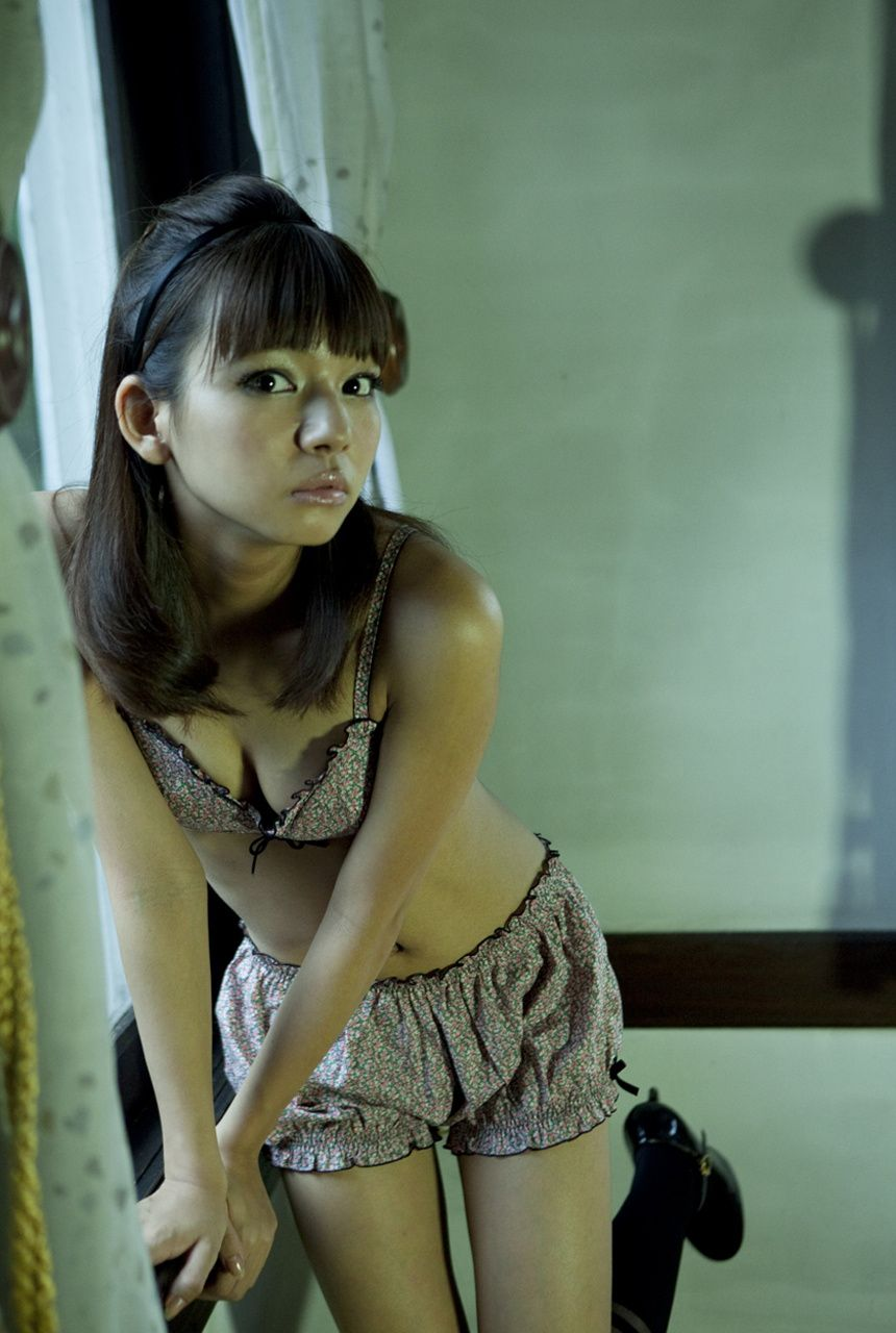 A little bit of a dangerous temptation to be misled by Kiho Niwa055