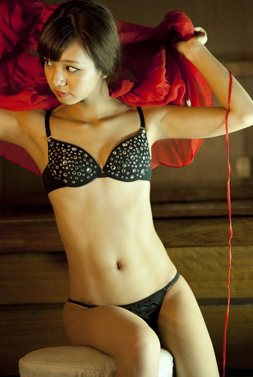 A little bit of a dangerous temptation to be misled by Kiho Niwa066