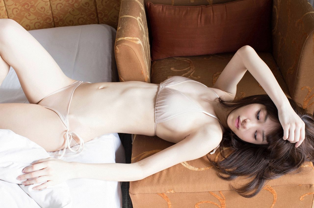 A little bit of a dangerous temptation to be misled by Kiho Niwa044