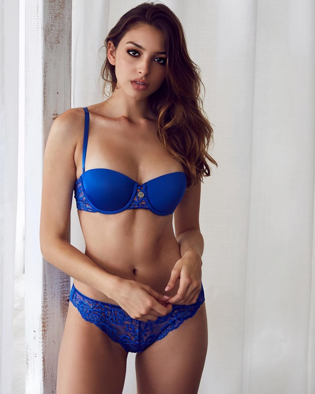 Too beautiful American model Celine Farrakhan014