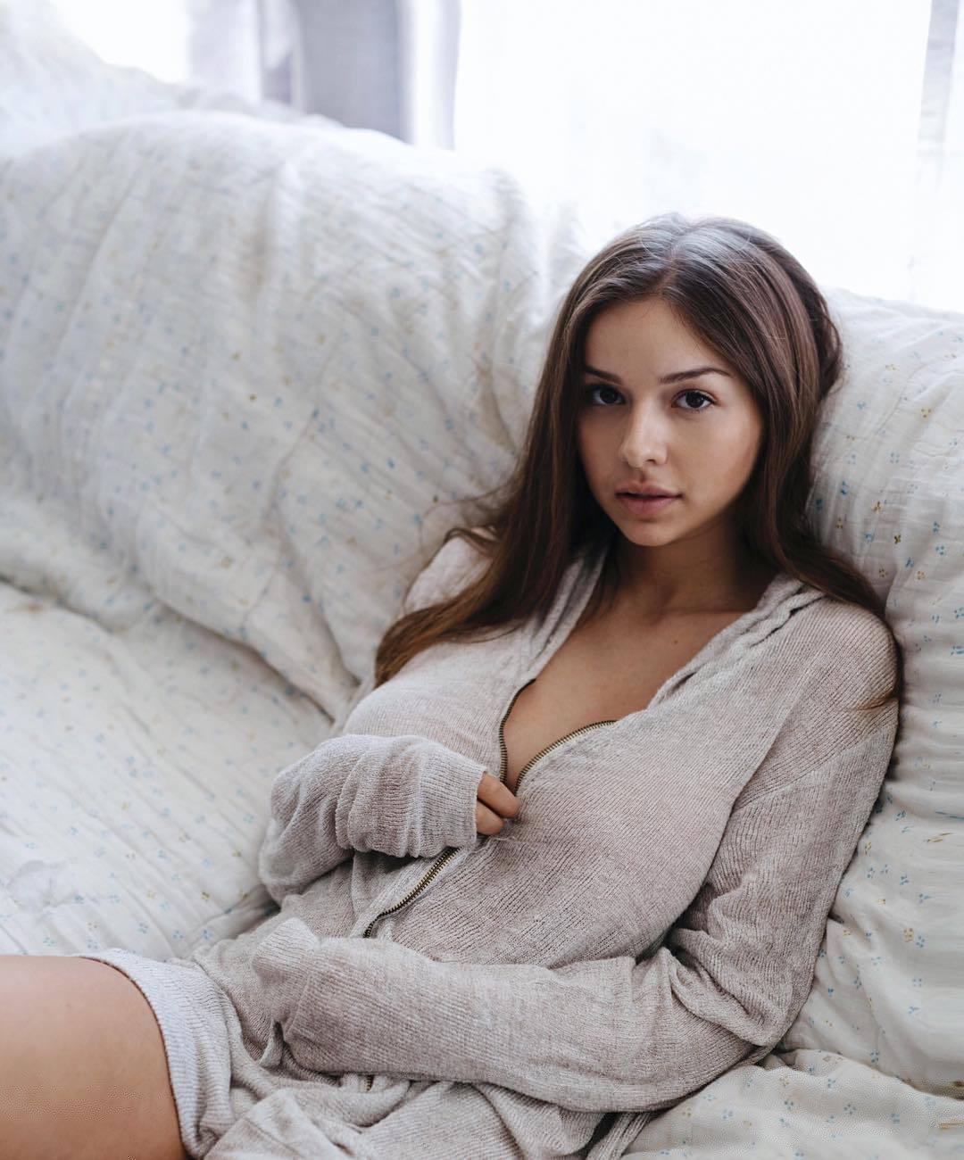 Sophie Mudd021