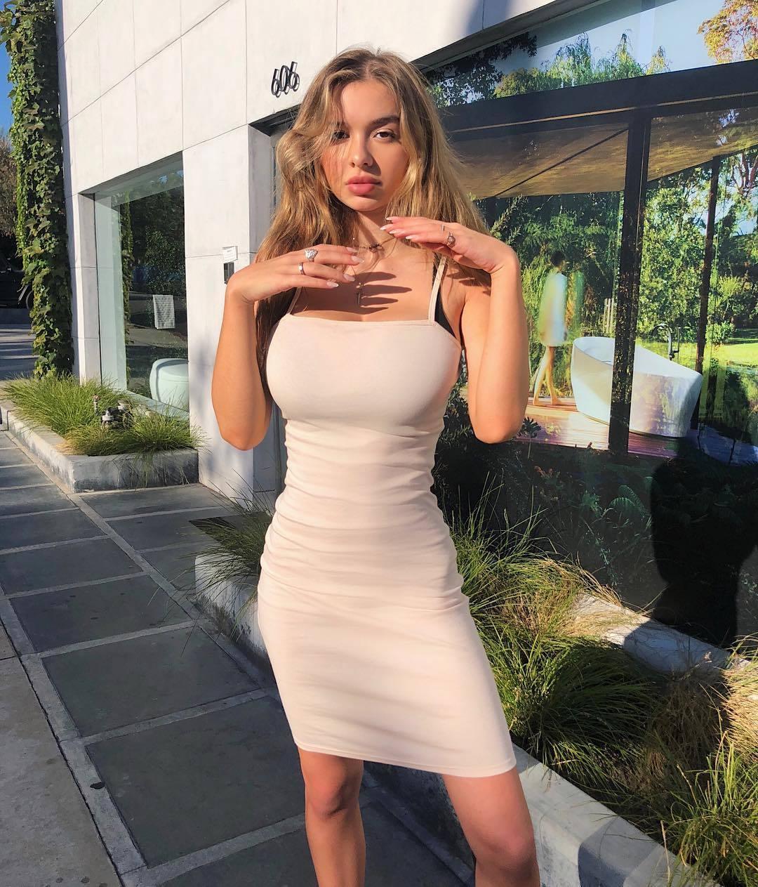 USA Model Beautiful Instagrammer Sophie Mudd015