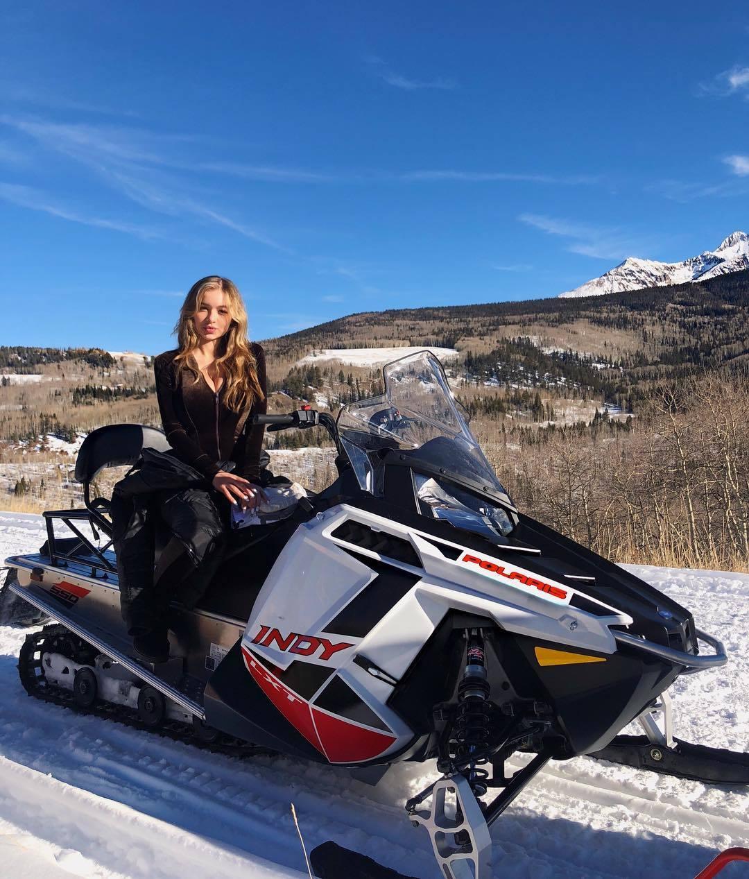 USA Model Beautiful Instagrammer Sophie Mudd025
