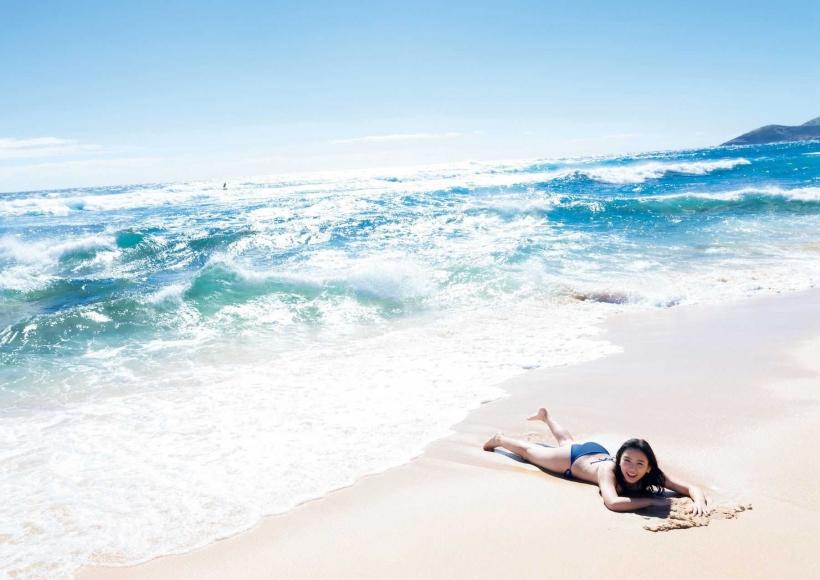 Aika Sawaguchi a 15-year-old high school freshman has a bouncy body in Hawaii020