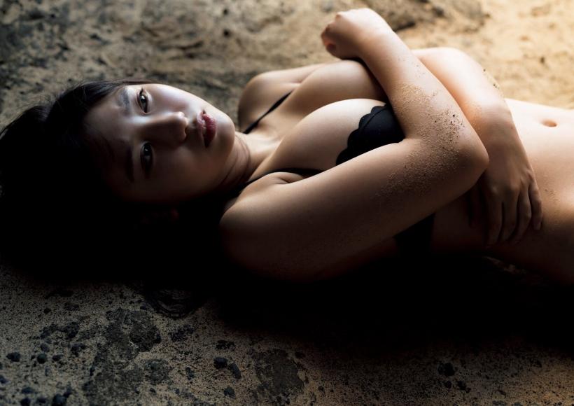Aika Sawaguchi a 15-year-old high school freshman has a bouncy body in Hawaii072