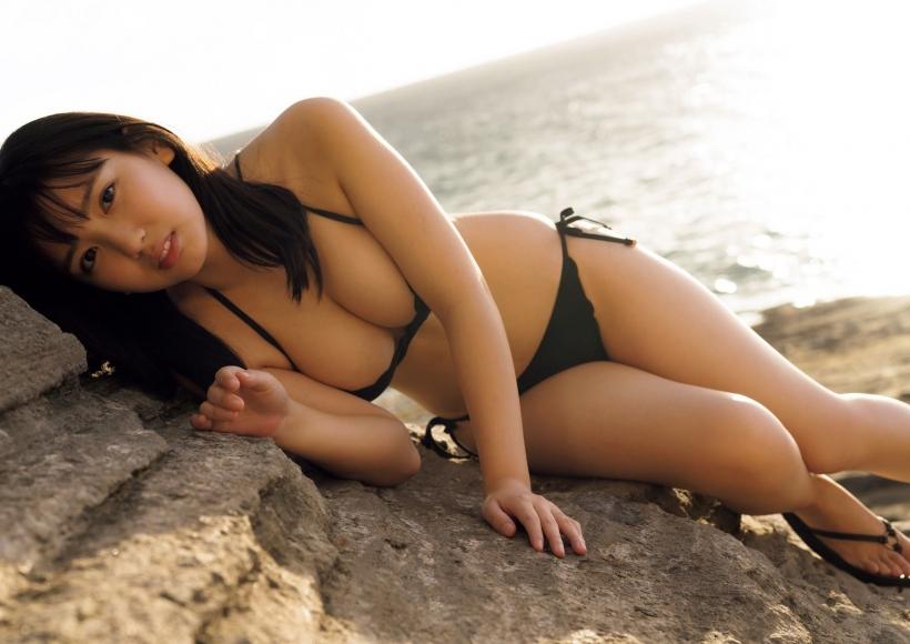 Aika Sawaguchi a 15-year-old high school freshman has a bouncy body in Hawaii075