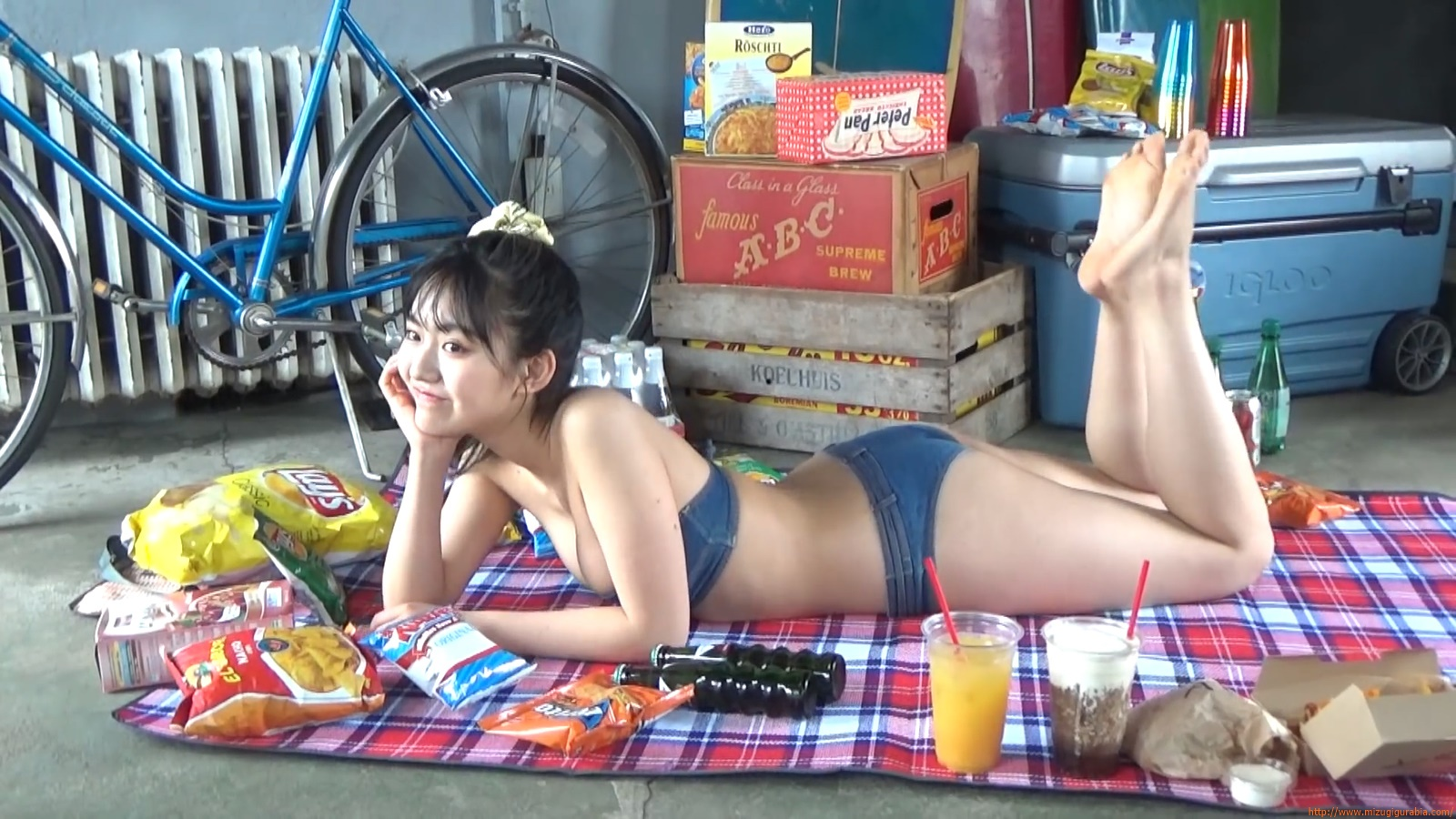 Lunar Toyota high school student Runas brain trip swimsuit gravure089