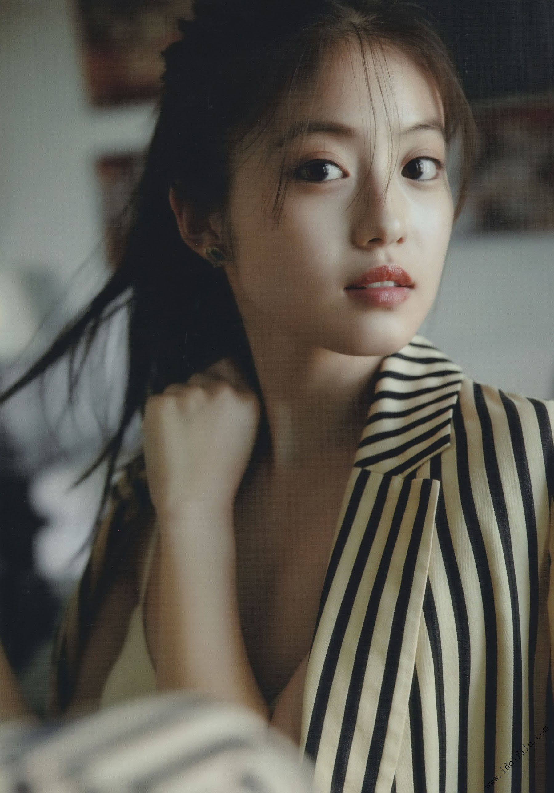 Pretty and beautiful, 22 years old and innocent Moving to the next stage as an actress Mio Imada120