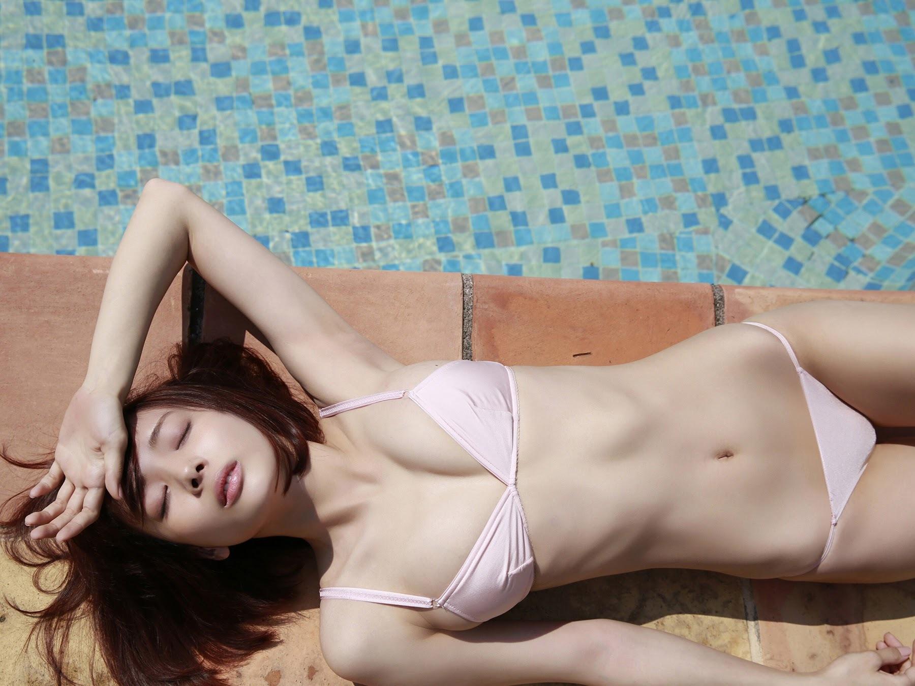 23 years old Shaka Okada, who is also a professional mahjong player005