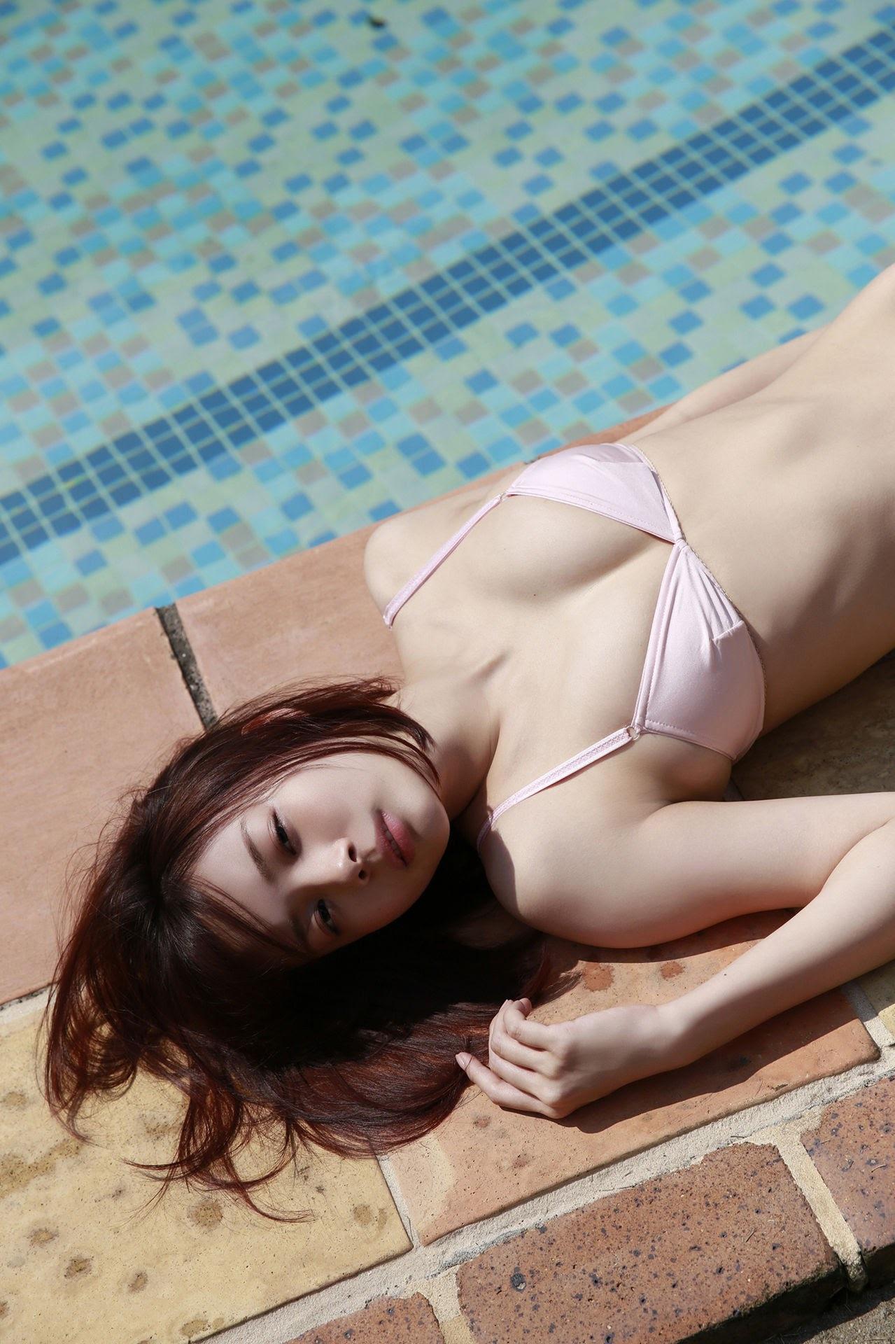 23 years old Shaka Okada, who is also a professional mahjong player010