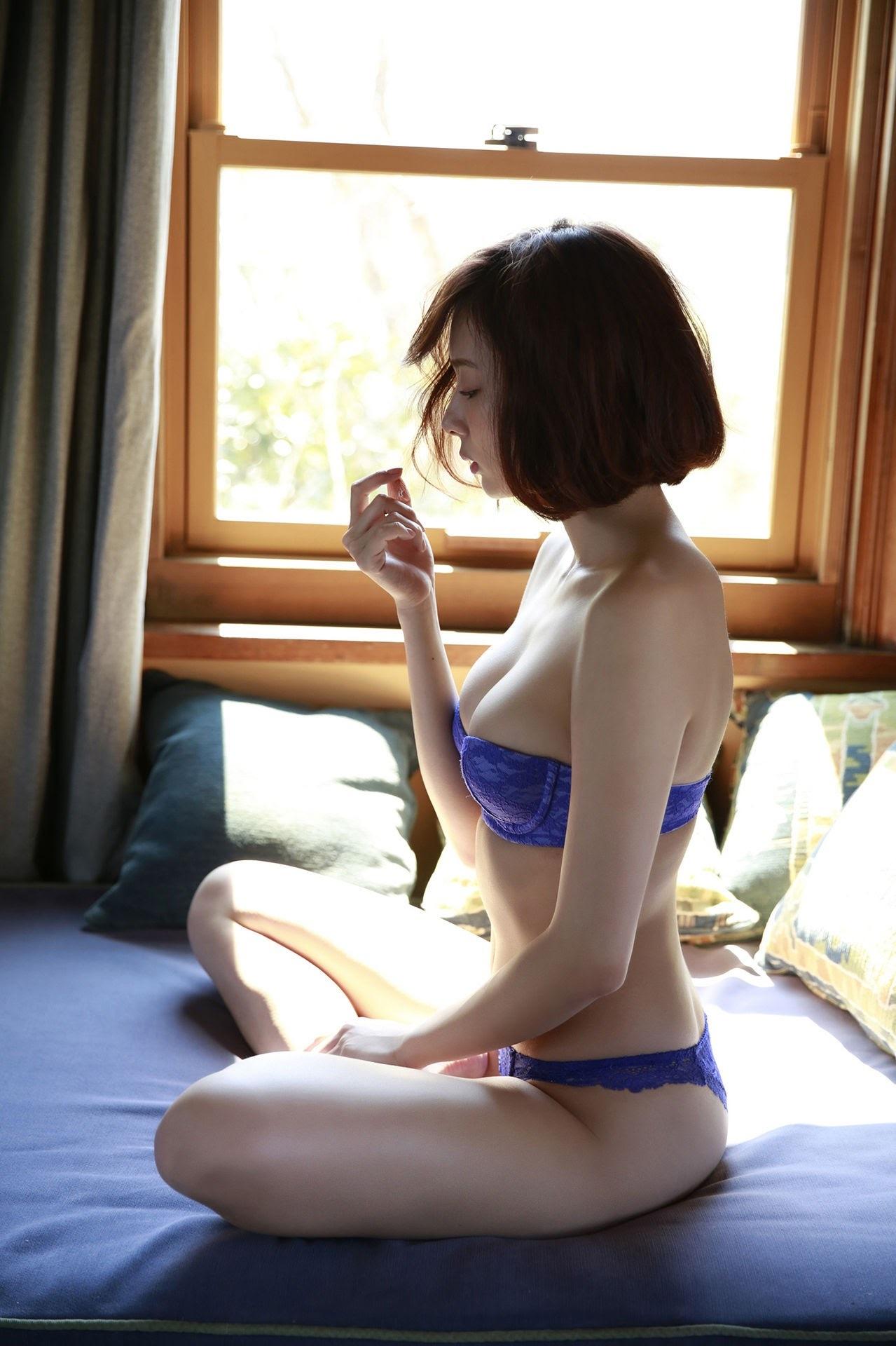 23 years old Shaka Okada, who is also a professional mahjong player021