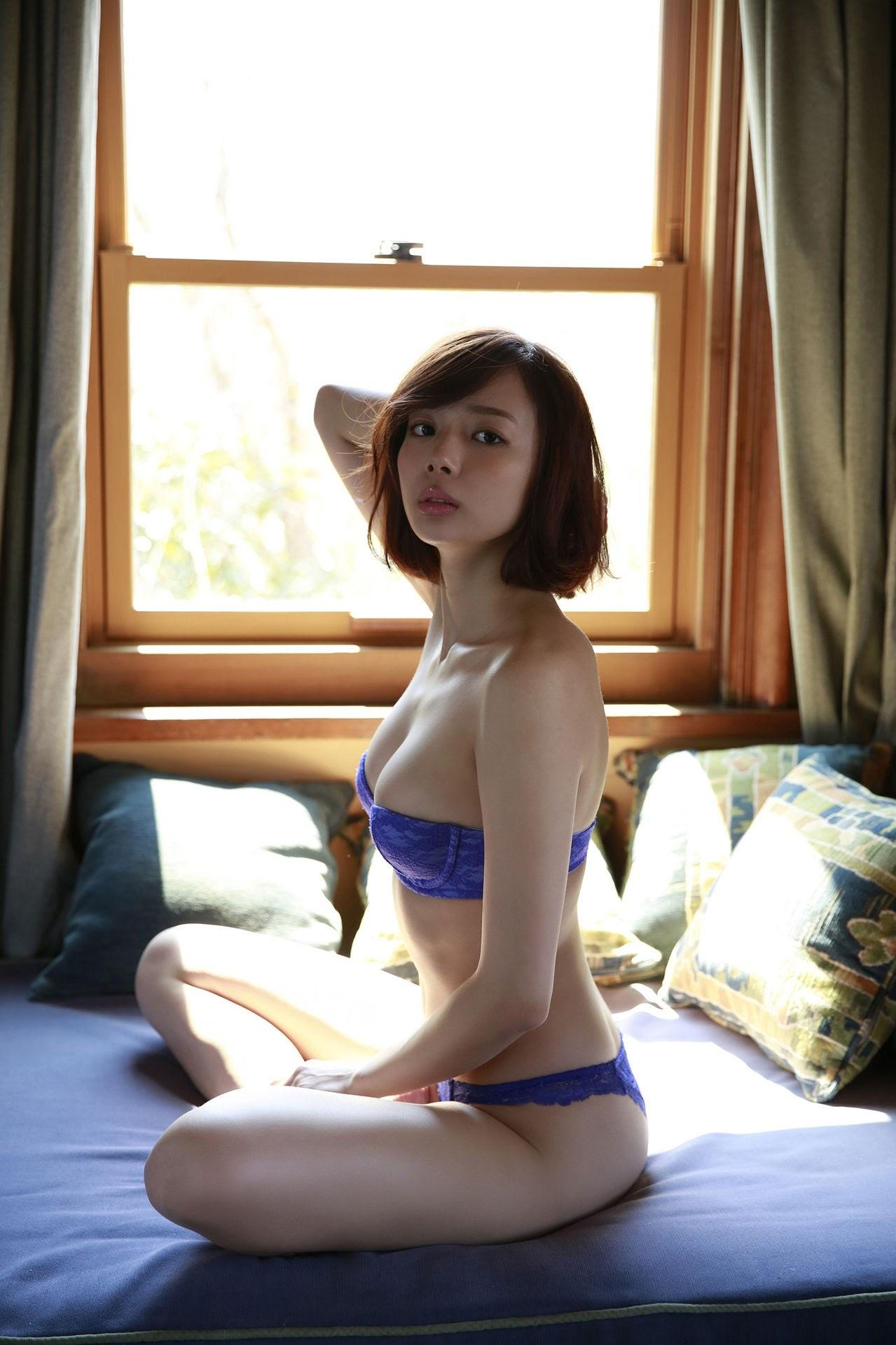 23 years old Shaka Okada, who is also a professional mahjong player022
