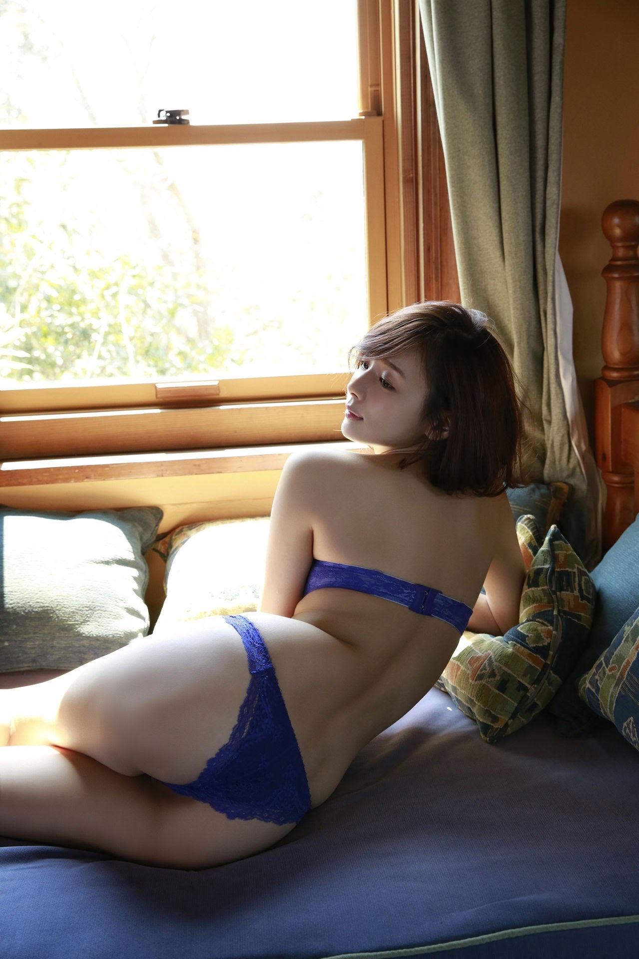 23 years old Shaka Okada, who is also a professional mahjong player024