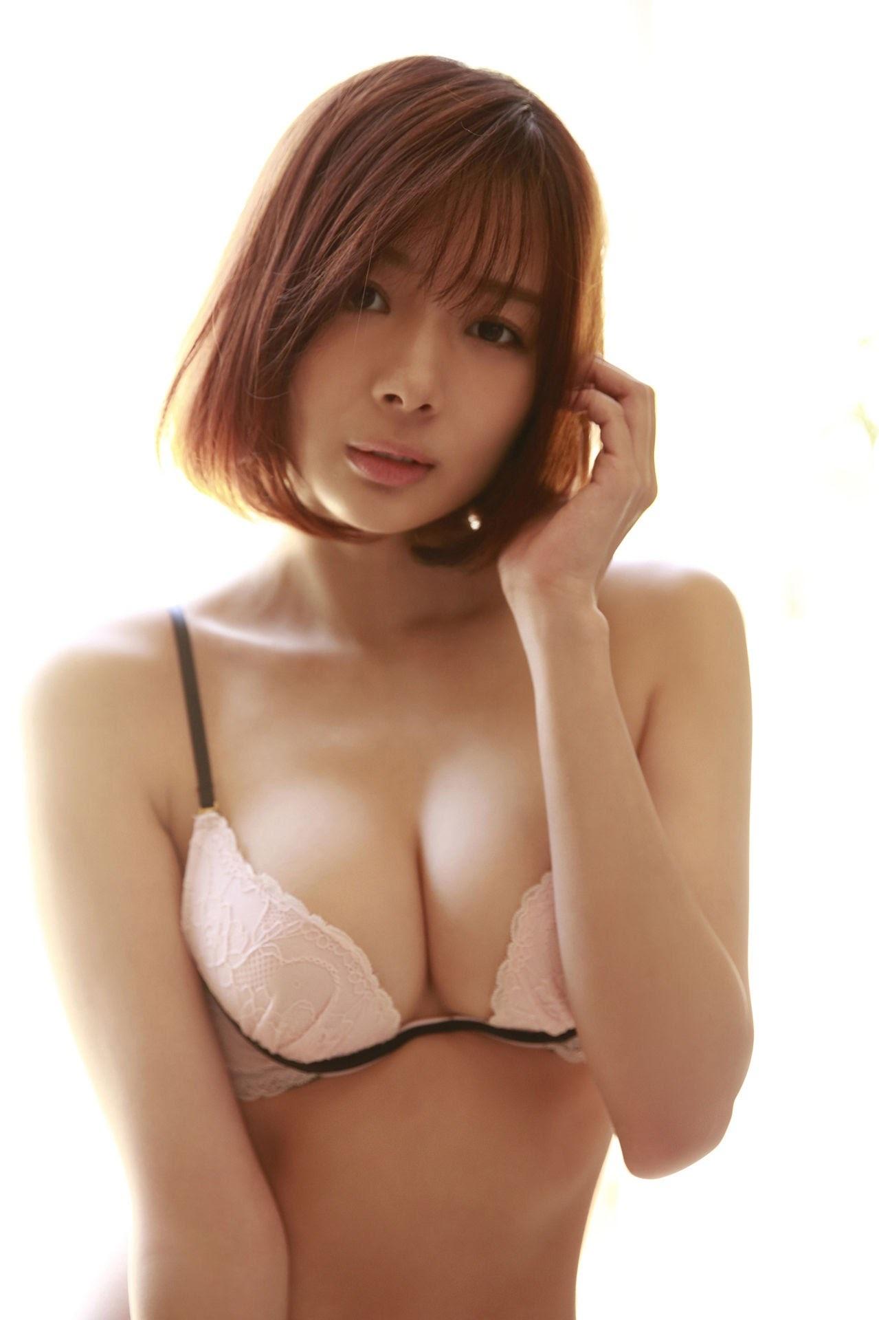 23 years old Shaka Okada, who is also a professional mahjong player030