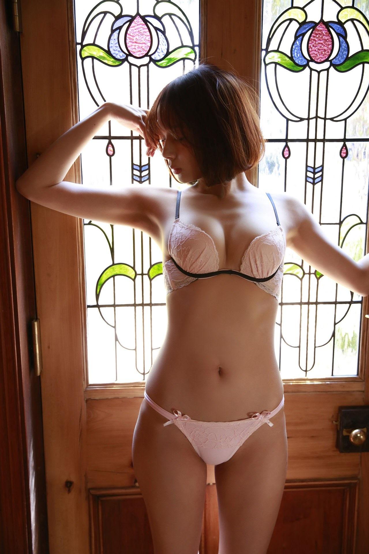 23 years old Shaka Okada, who is also a professional mahjong player038