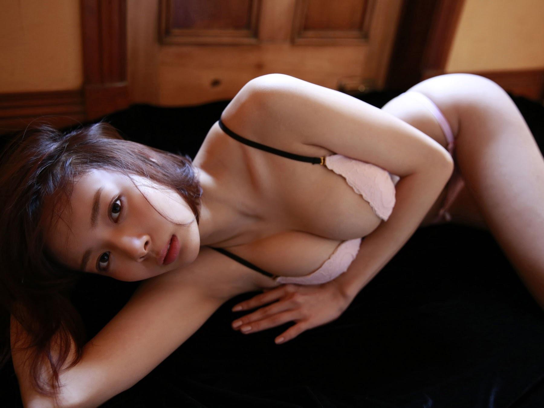 23 years old Shaka Okada, who is also a professional mahjong player040