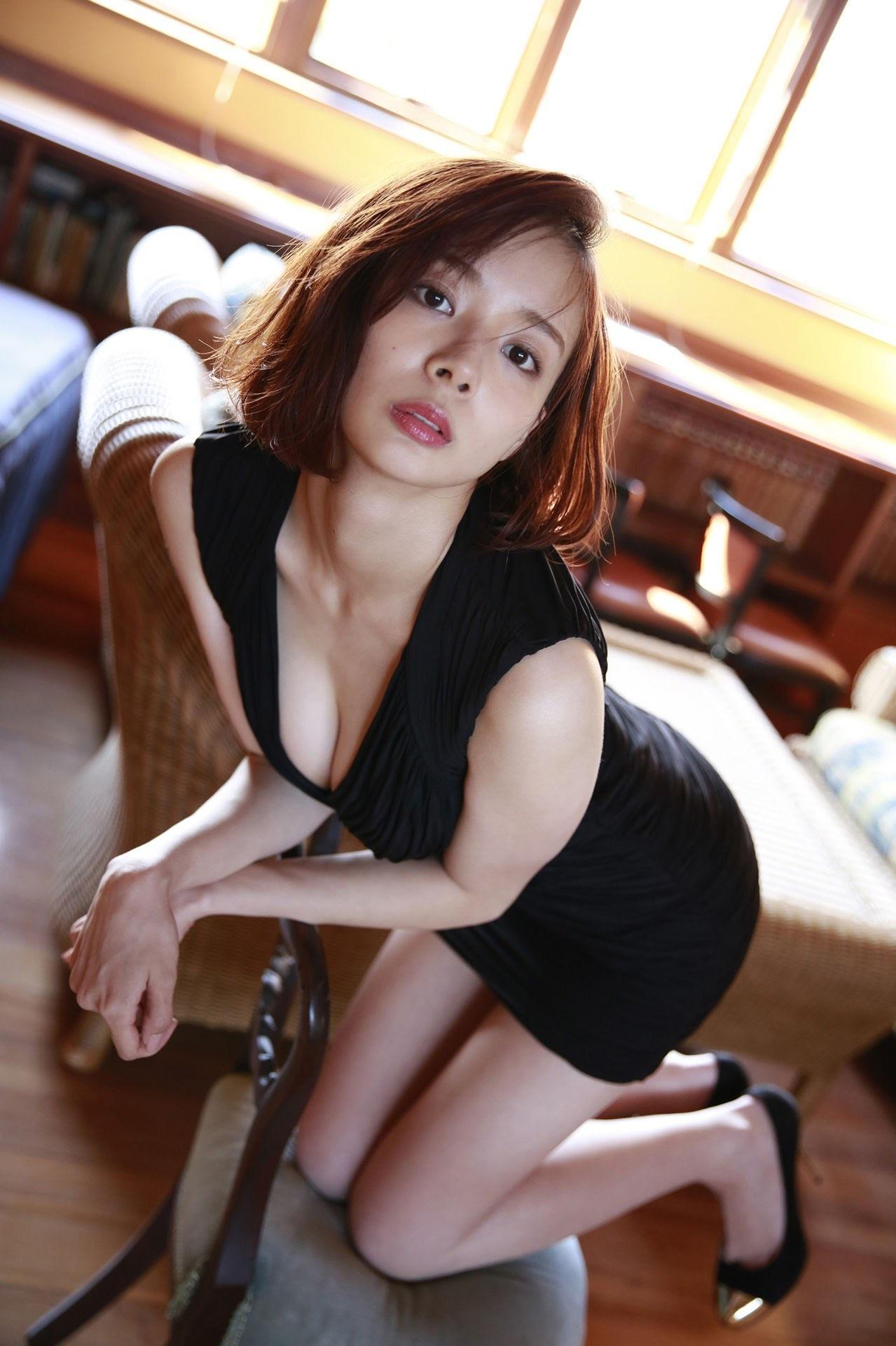 23 years old Shaka Okada, who is also a professional mahjong player052