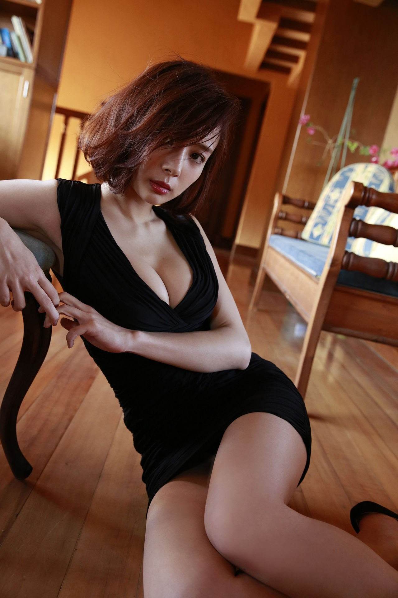 23 years old Shaka Okada, who is also a professional mahjong player055