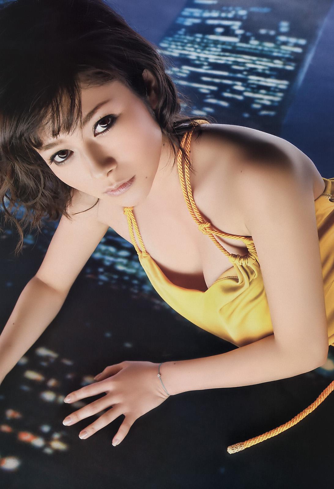 まばゆい実力派女優のグラビア!! 真木よう子 2011 芸能アイドルモデル女優水着画像集