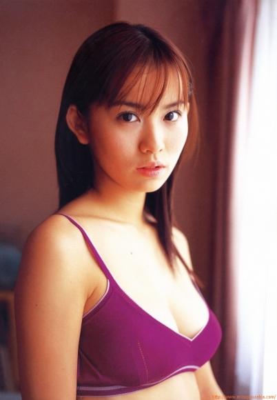 ichikawa_yui_064.jpg