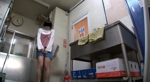 【スーパーマーケット店長の猥褻いたずら記録映像】のアダルト天国を見る