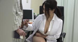 【診察がエロすぎると評判の四十路女医がいる病院】のアダルト天国を見る