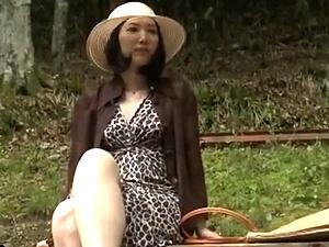 【ヘンリー塚本】 公衆便所に美魔女な人妻痴女、現る!変態SEX映像!!!