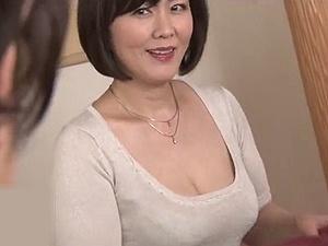 【円城ひとみ】 嫁の母は五十路近い美熟女!「女」として意識してしまい・・・義母と中出し母子相姦!