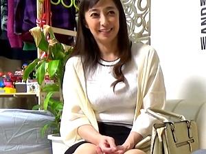 アラフィフ熟女ナンパ!53歳・五十路の美魔女人妻がイケメンに口説かれて・・・不倫SEX!!