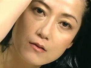 【ヘンリー塚本】[七海ひさ代] SEX依存症の女!四十路で美熟女な人妻のディープキス性交!