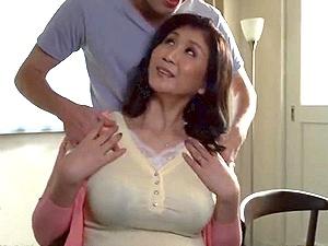 前妻の魅了を再確認した夫!四十路の45歳でふっくら巨乳巨尻な熟れた女体がタマラナイ!前妻との久々のSEXに燃える!吉岡奈々子